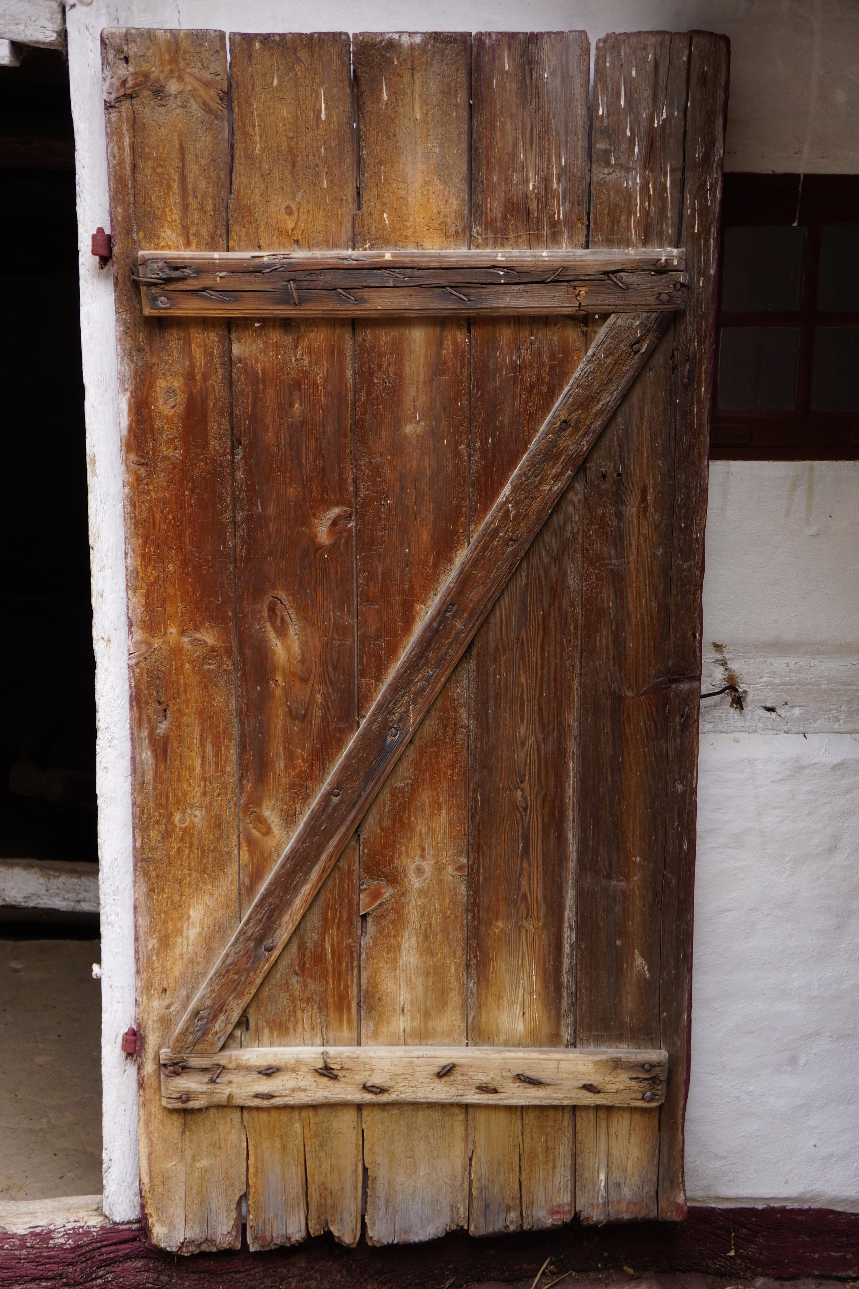 Vintage Wood Doors - WallsKid
